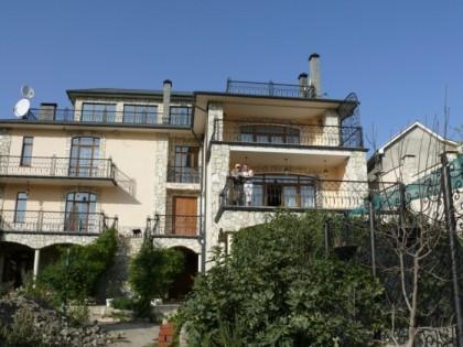 Дом Тани Карацуба в Коктебеле, ул. Жуковского, 53. Захвачен Синежуком с ментами в июне 2011 г